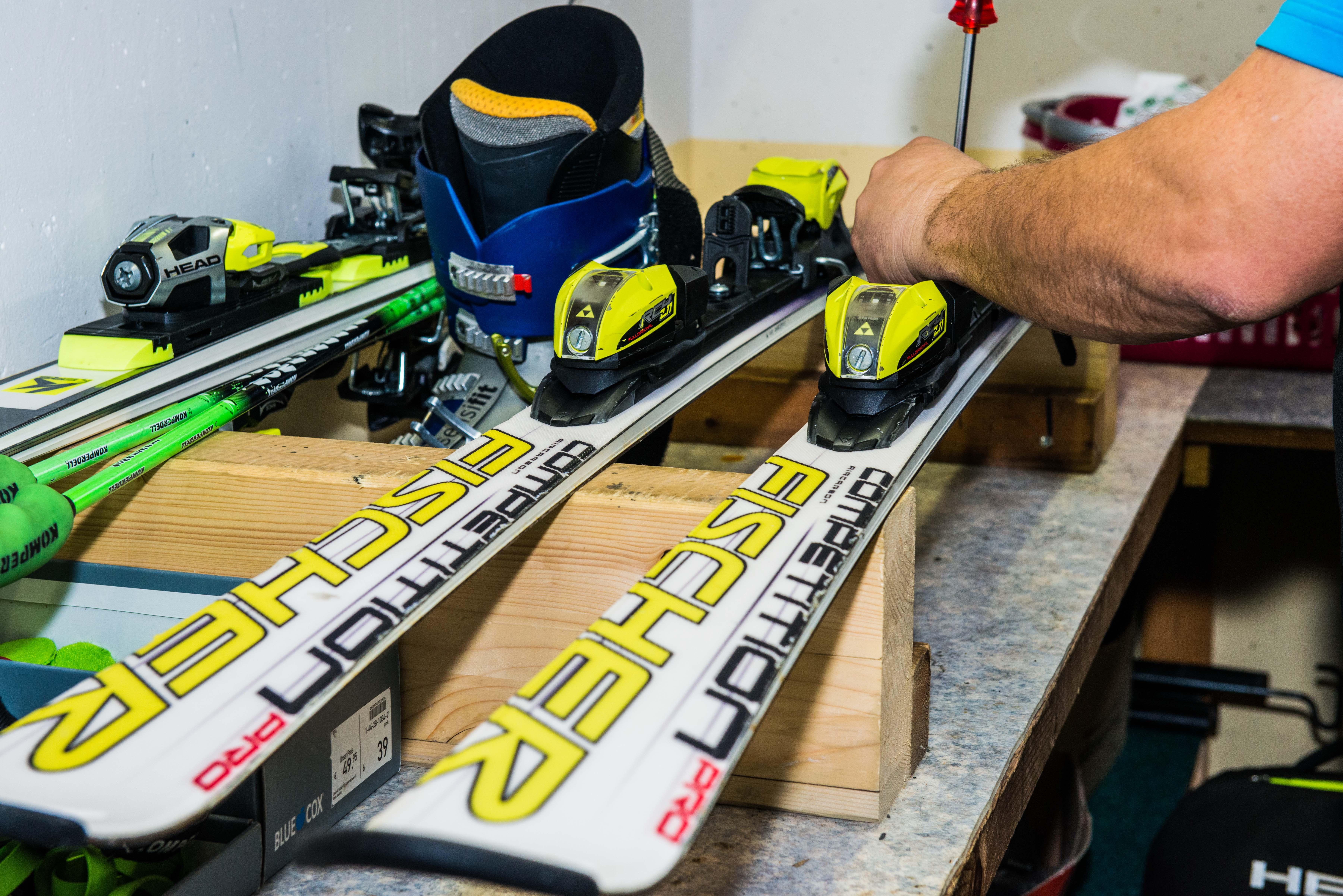 Ski und Snowboard Service